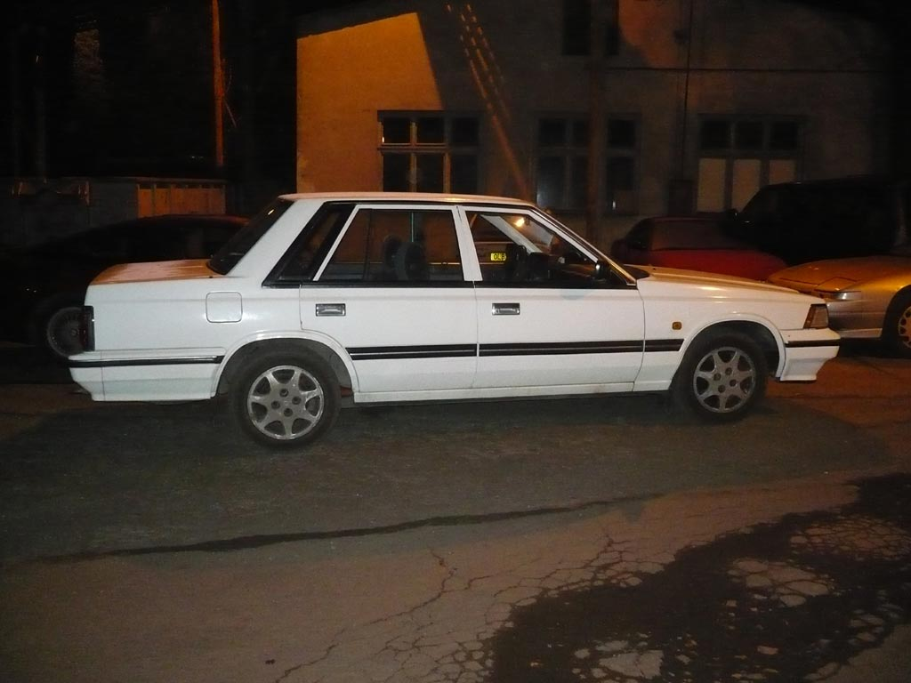 Nissan Laurel C32: 5 фото