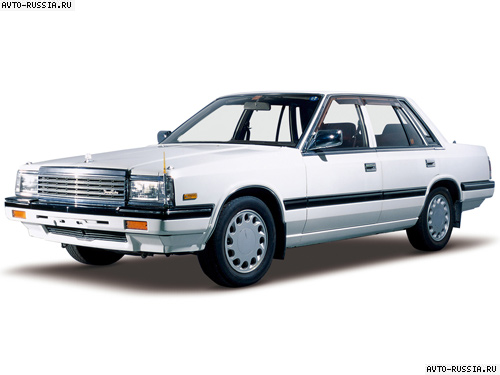 Nissan Laurel C32: 8 фото
