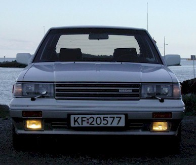 Nissan Laurel C32: 10 фото