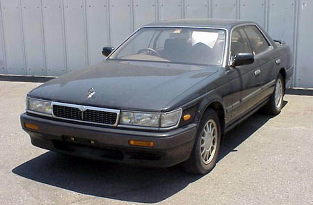 Nissan Laurel C33: 08 фото