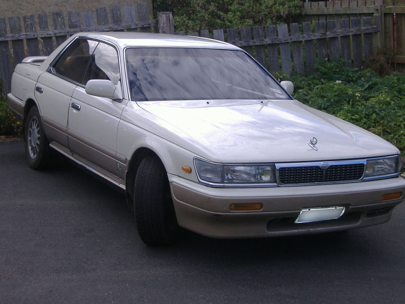 Nissan Laurel C33: 09 фото