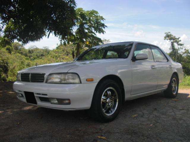 Nissan Laurel C34: 11 фото