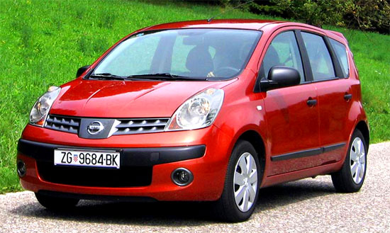 Nissan Note: 3 фото