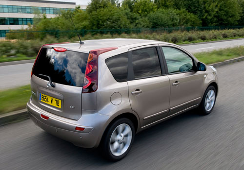 Nissan Note: 8 фото