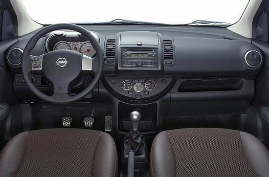 Nissan Note: 12 фото