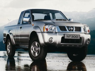 Nissan Pick UP: 07 фото