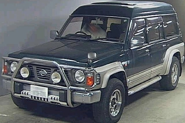 Nissan Safari: 7 фото