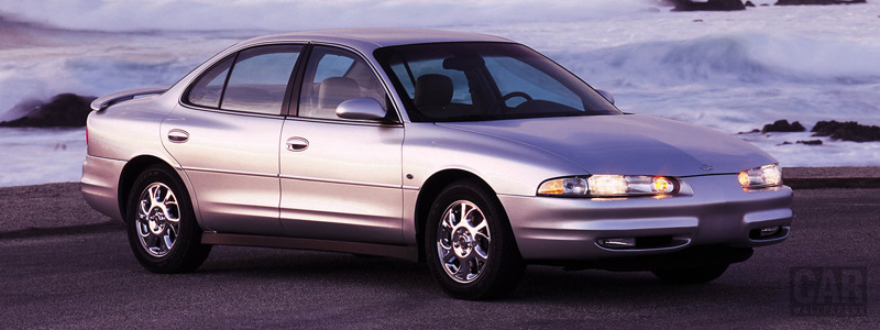 Oldsmobile Intrigue: 7 фото