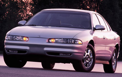 Oldsmobile Intrigue: 8 фото
