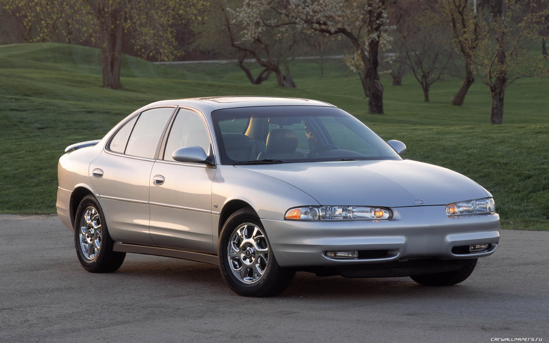Oldsmobile Intrigue: 15 фото