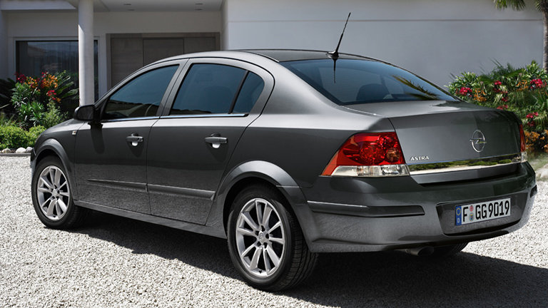 Opel Astra Family Sedan: 2 фото