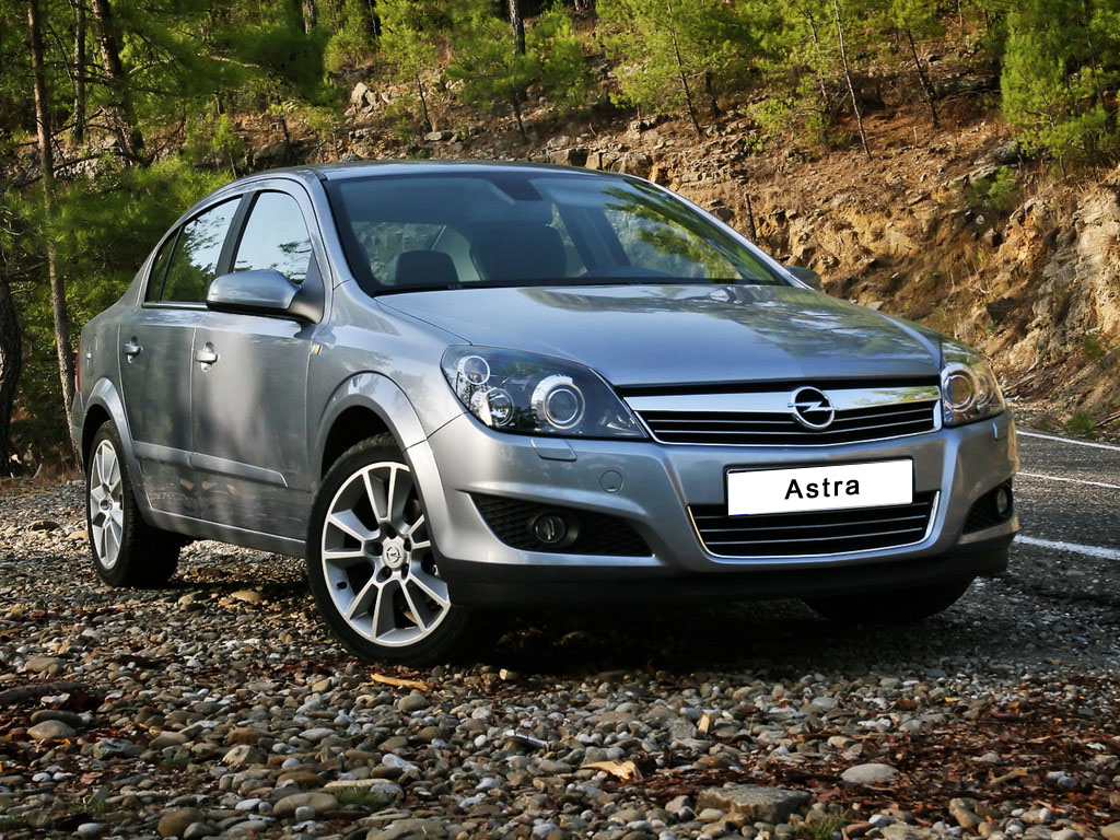 Opel Astra Family Sedan: 5 фото