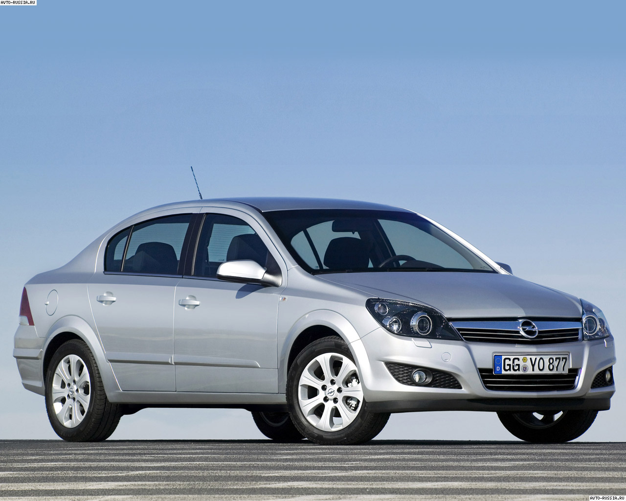 Opel Astra Family Sedan: 11 фото
