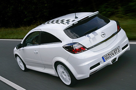 Opel Astra H OPC: 10 фото