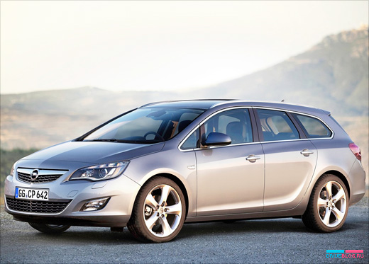 Opel Astra Sports Tourer: 09 фото