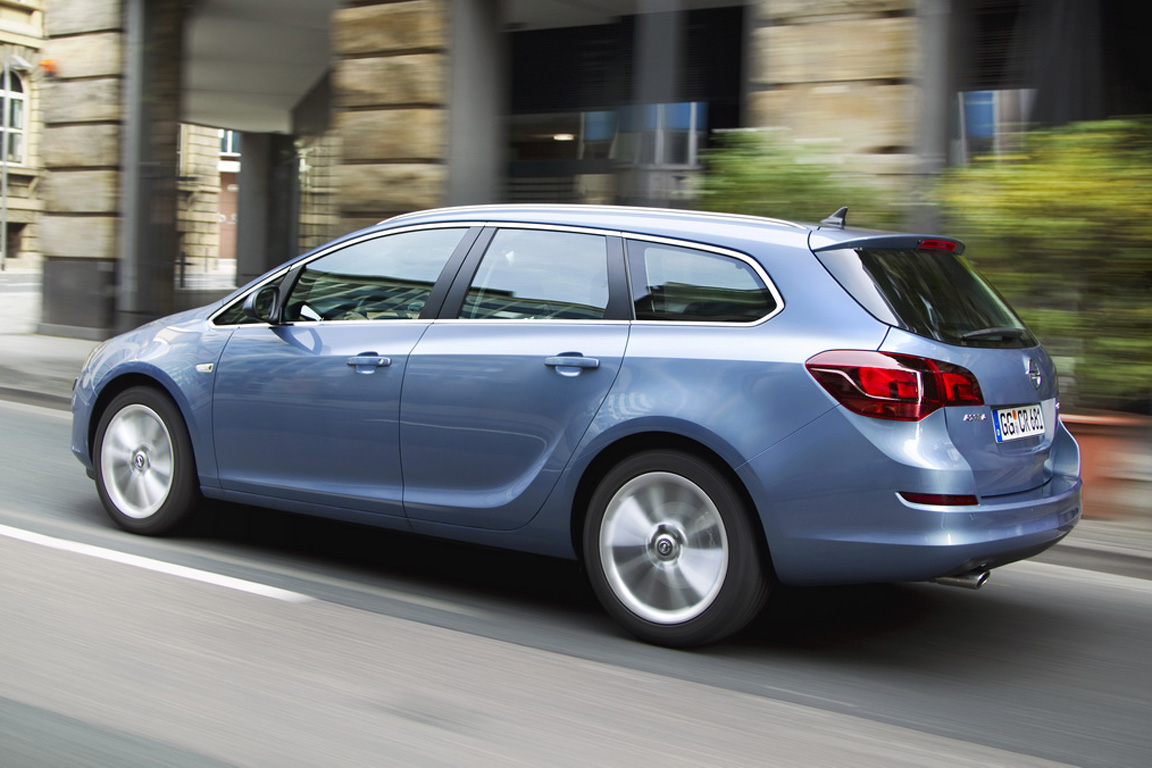Opel Astra ST: 6 фото