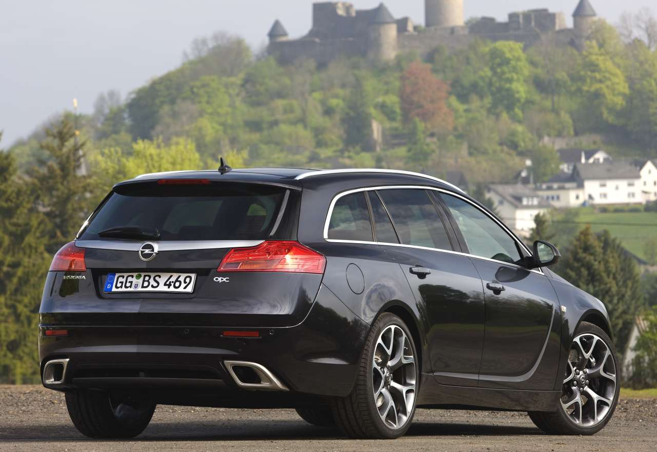 Opel Insignia OPC Sports Tourer: 05 фото