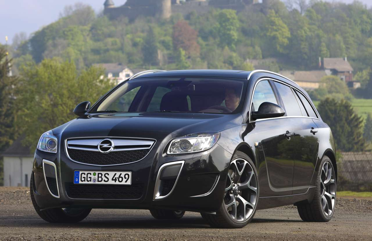 Opel Insignia OPC Sports Tourer: 08 фото