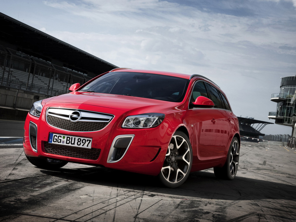 Opel Insignia OPC Sports Tourer: 11 фото