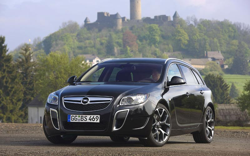 Opel Insignia Sports Tourer: 10 фото