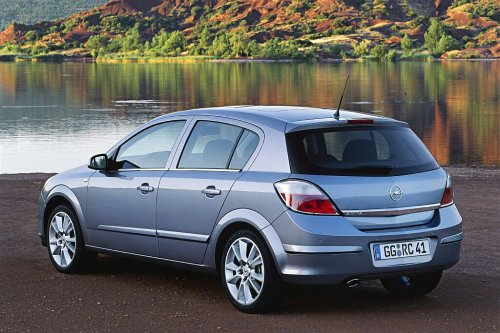Opel Vectra Hatchback: 09 фото