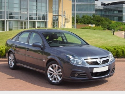 Opel Vectra Hatchback: 10 фото