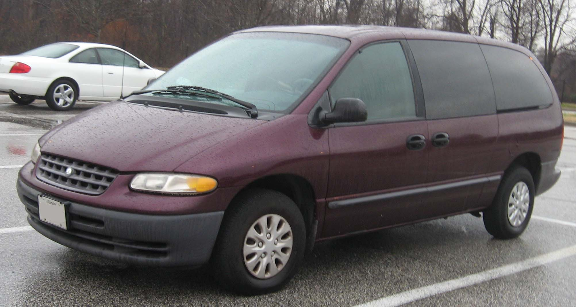 Plymouth Grand Voyager: 2 фото