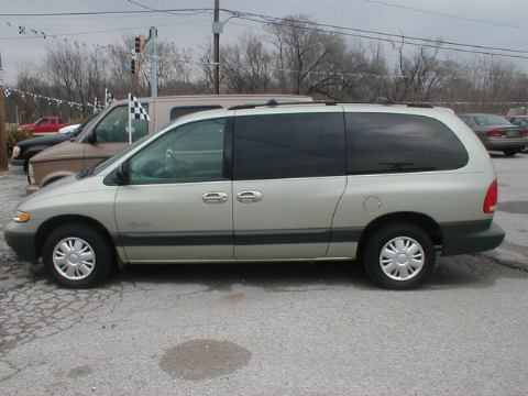 Plymouth Grand Voyager: 05 фото