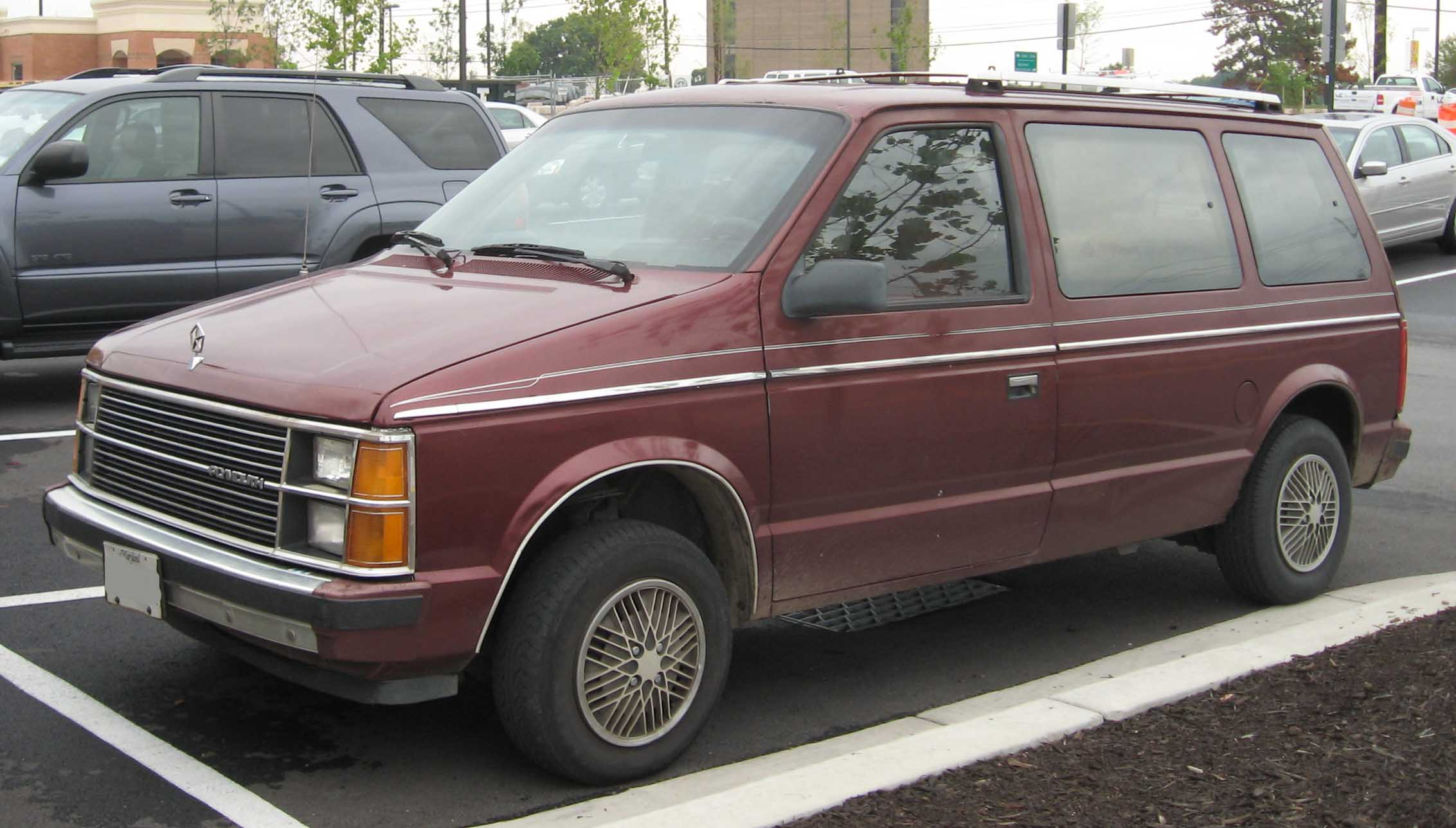 Plymouth Voyager: 3 фото