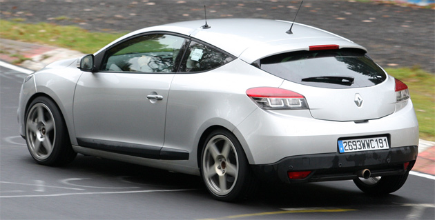 Renault Megane Coupe: 12 фото