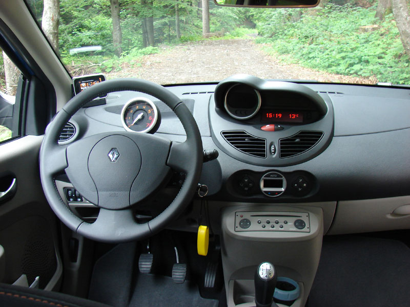 Index of /data_images/models/renault-twingo-ii/