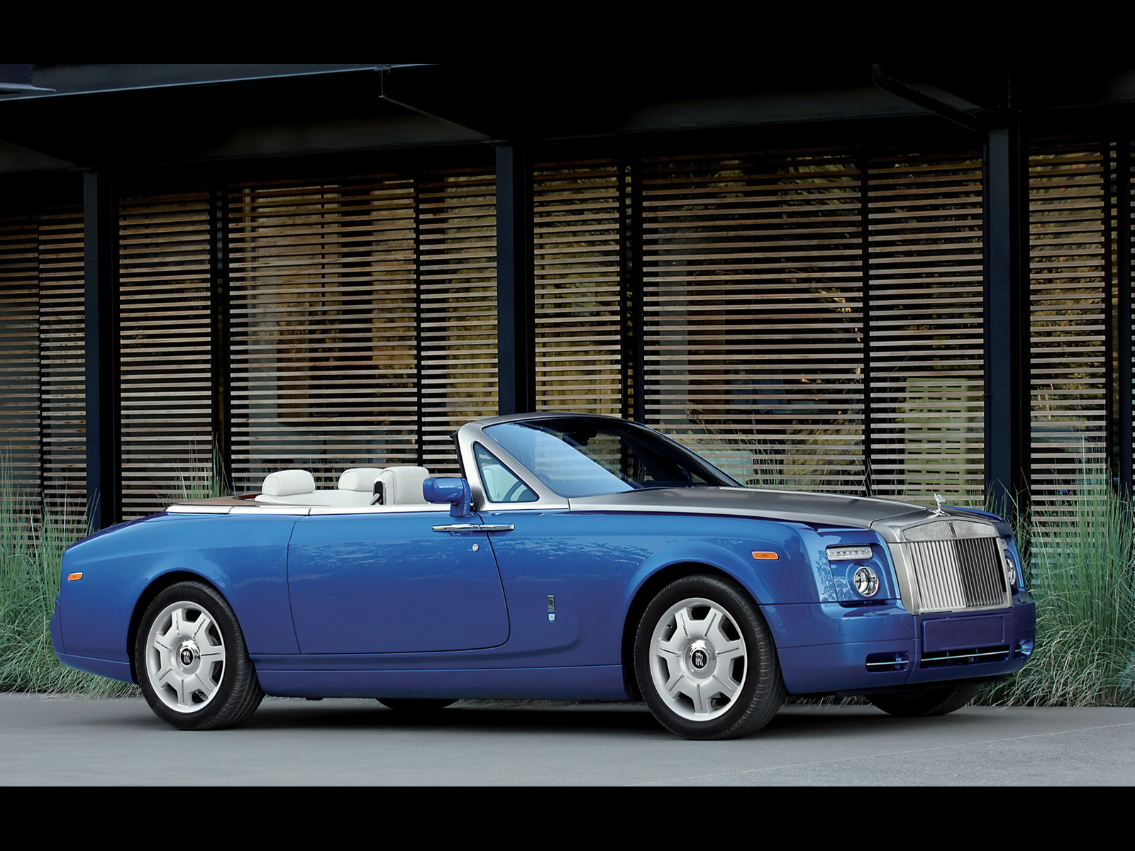 Rolls-Royce Phantom Drophead Coupe: 12 фото