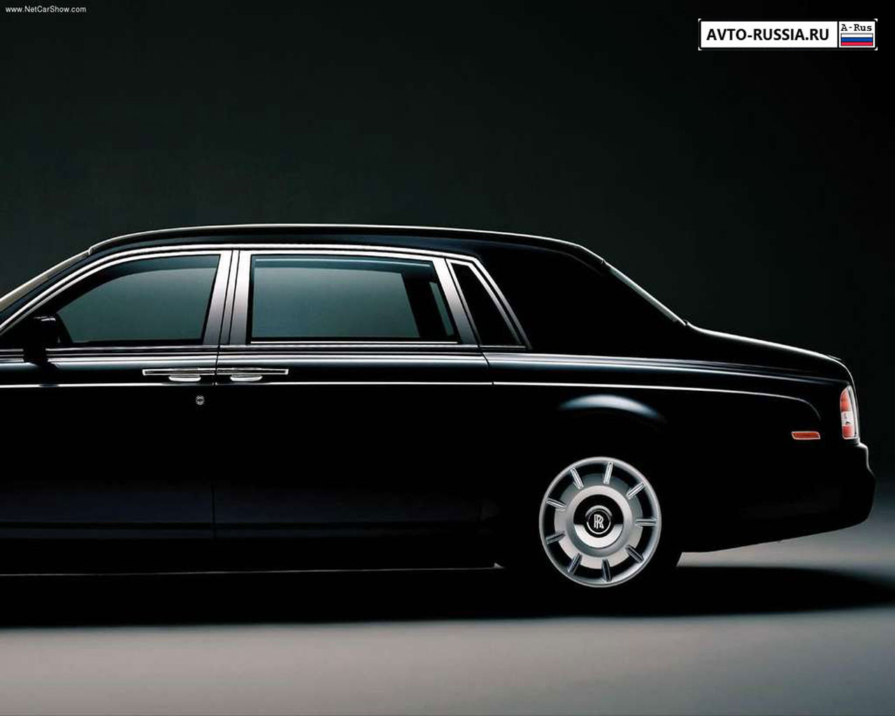 Rolls Royce Phantom: 9 фото