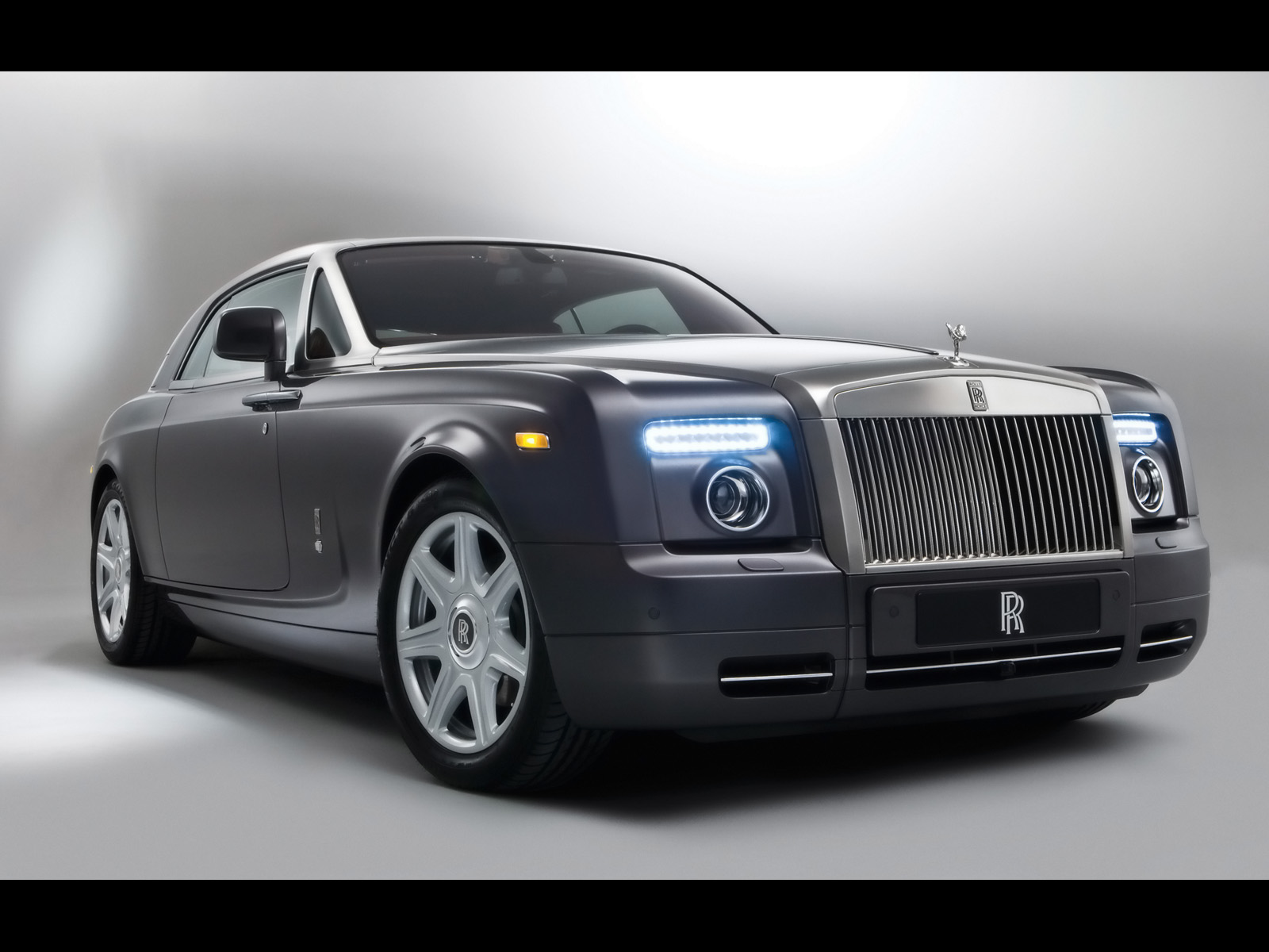 Rolls Royce Phantom: 10 фото