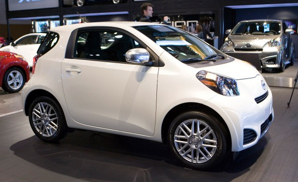 Scion iQ: 8 фото