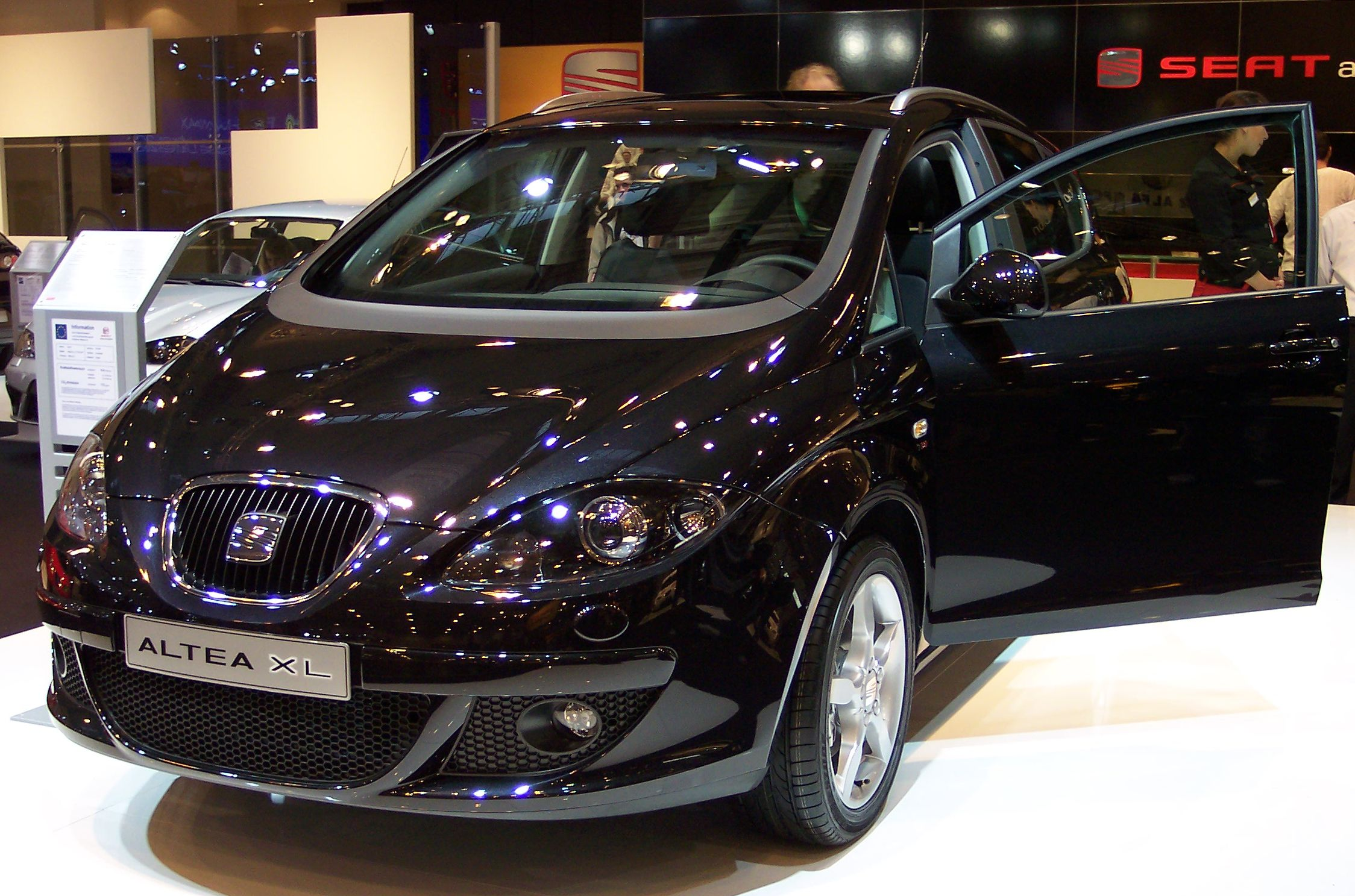 SEAT Altea XL: 11 фото