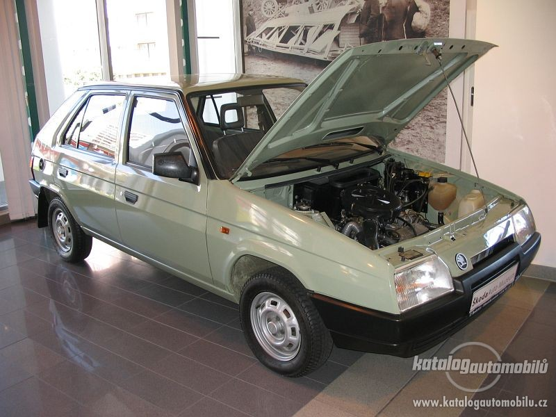 Skoda Favorit - 800 x 600, 07 из 18