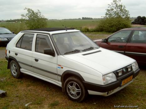 Skoda Favorit: 9 фото