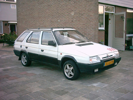 Skoda Favorit: 11 фото