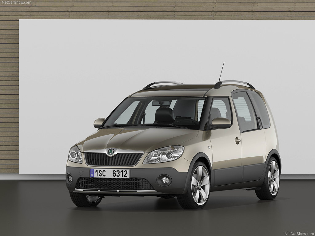 Skoda Roomster Scout: 7 фото