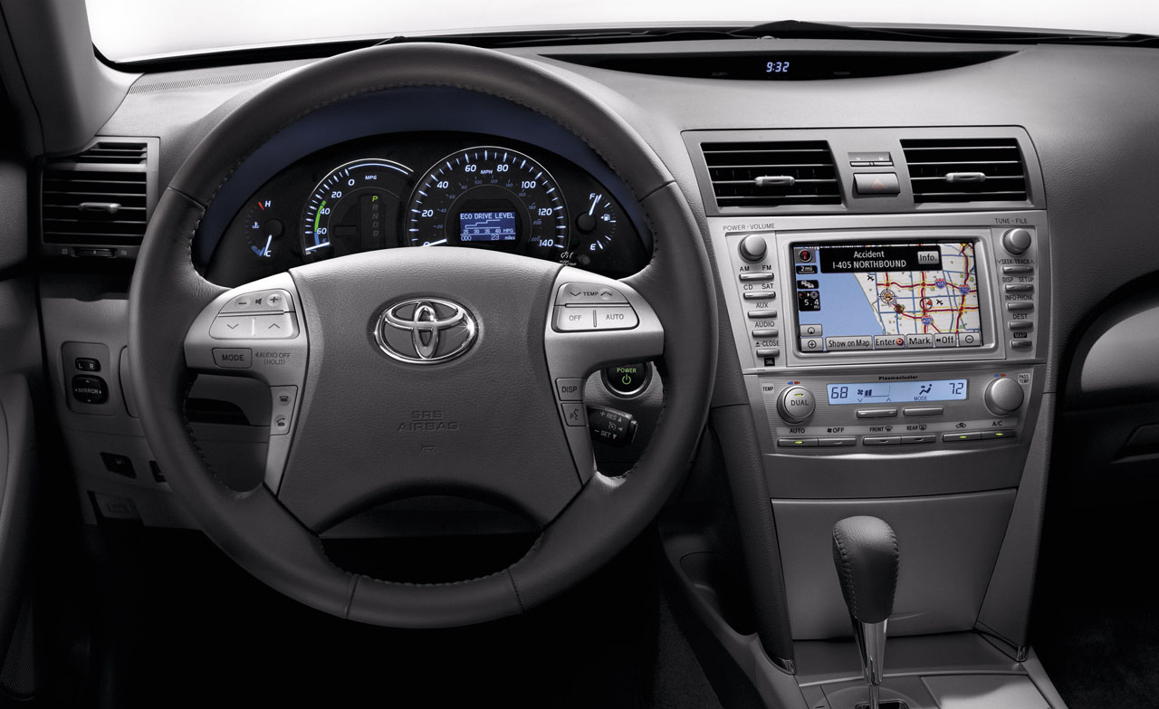 Toyota Camry: 4 фото