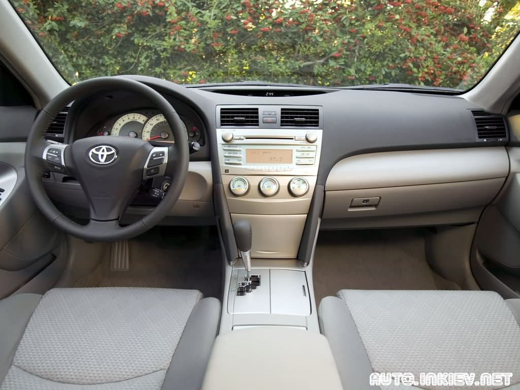 Toyota Camry: 9 фото