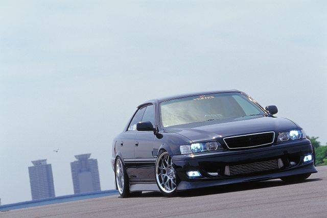 Toyota Chaser: 4 фото