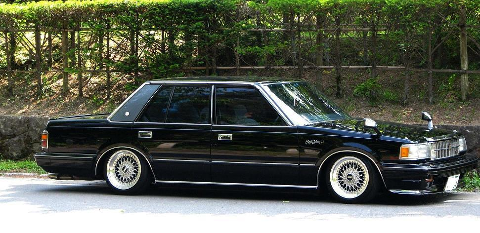 Toyota Crown S120: 3 фото