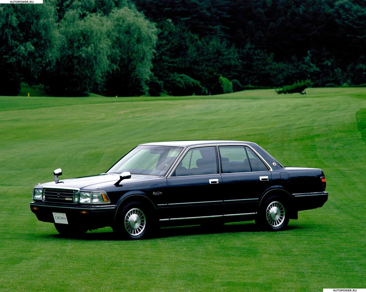 Toyota Crown S120: 8 фото