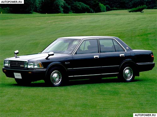 Toyota Crown S120: 09 фото
