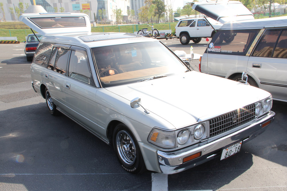 Toyota Crown S120: 12 фото