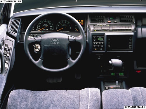 Toyota Crown S130: 1 фото