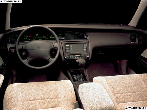Toyota Crown S140: 01 фото