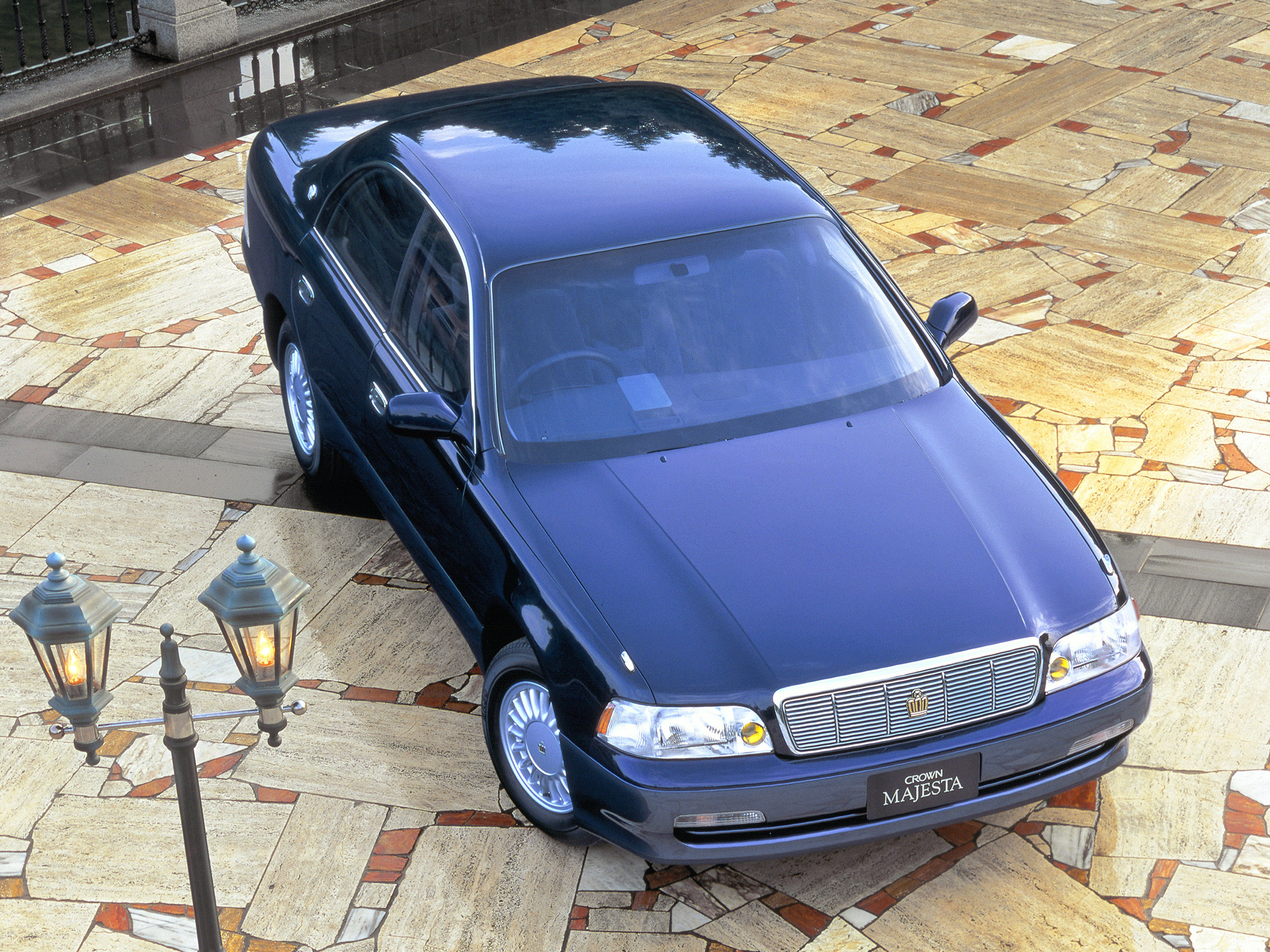 Toyota Crown S140: 11 фото